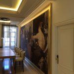 Arte y atrezzo. Marcos para cuadros de tamaño mural para importante hotel de gran lujo en Madrid.