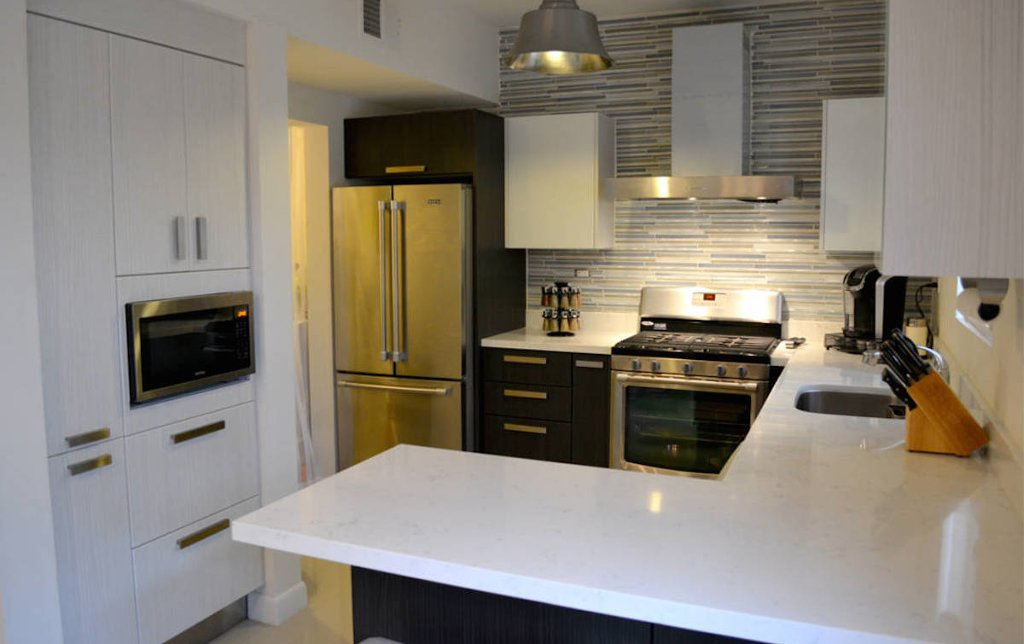 Muebles para cocina peque a con desayunador for Precios muebles de cocina a medida