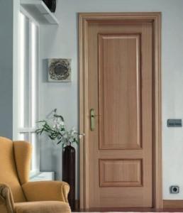Puertas de interior en Madrid en roble con fresado superior e inferior.