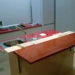 Trabajos: Encimera plegable añadida a una encimera de cocina.